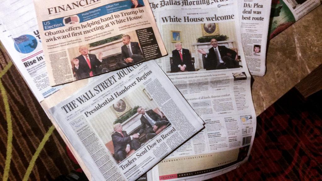 Zeitungstisch eines Hotels im texanischen Dallas
