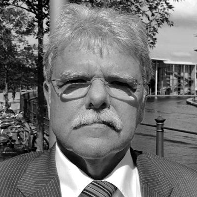 Prof. Dr. Oskar Niedermayer